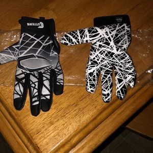Youth size Large-BNIP Cutters wide receiver gloves